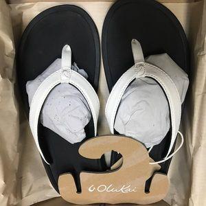 NWT OluKai Kulala Kai W7 Sandals